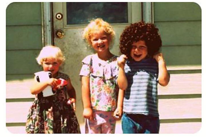 Ysabel, Gwendlyn and Gabriel clowning around.