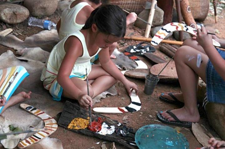 Hannah paints her very own boomerang! (Muru Mittigar in NSW, Australia)
