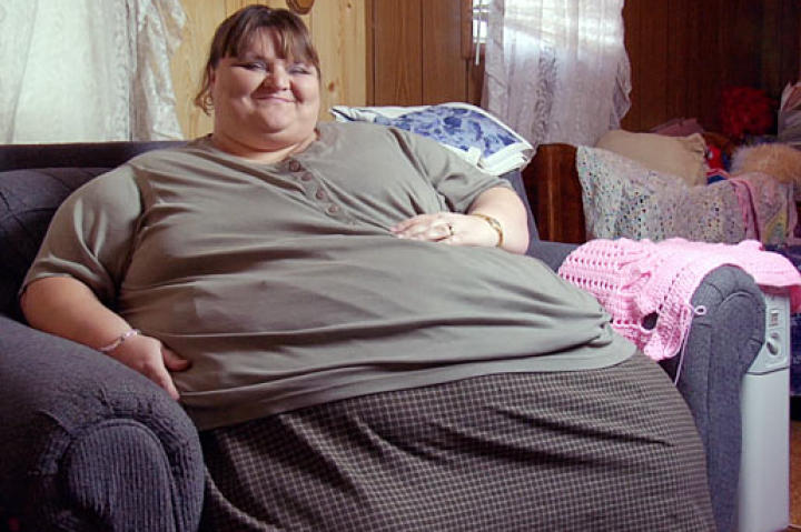 650-lb Melissa begins her seven-year journey to lose weight.