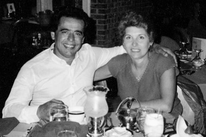 Buddy Sr. and Mama Mary head south of the border for a Mexican getaway.