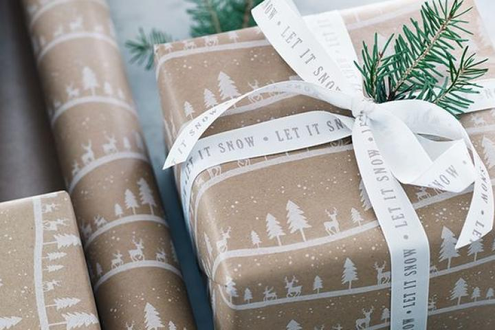 Let it Snow Wrapping Paper