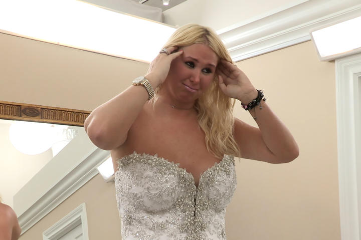 Amanda ordered a custom Pnina Tornai gown with a crystal bodice and tulle skirt with crystal pickups. But the discerning bride wasn't satisfied with the final product and shed some tears in the salon.