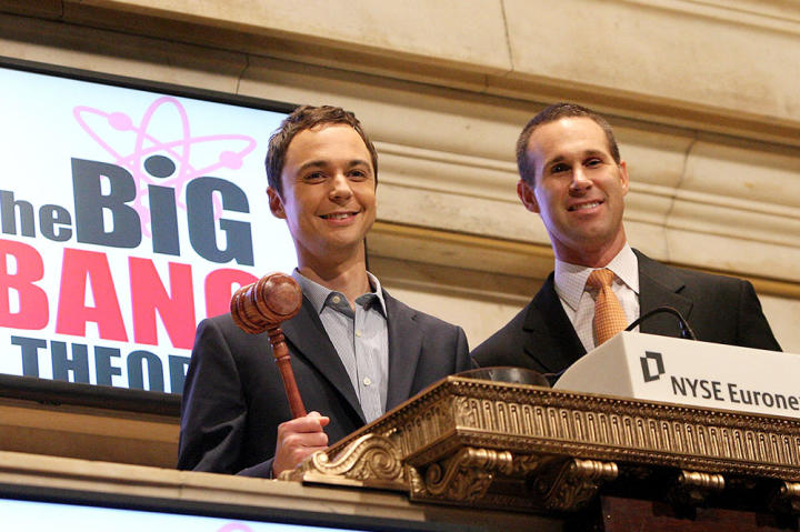 Jim Parsons rings the New York Stock Exchange opening bell on August 27, 2009.
