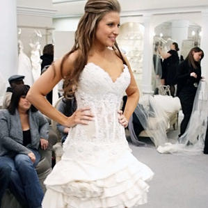 Photo Slideshow Season 5 Episode 1 Dresses