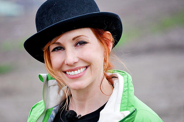During a garage fire, can a propane tank get hot enough that it launches through the roof like a rocket? At the Alameda Bomb Range, Kari Byron gets to the bottom of the mystery in style.