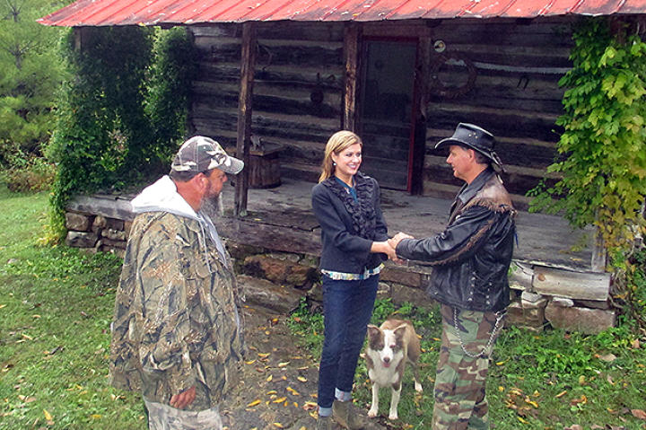 Ernie Brown, Jr., the Turtleman, and Neal James meet Libby, the caretaker of the home where a critter has taken over.