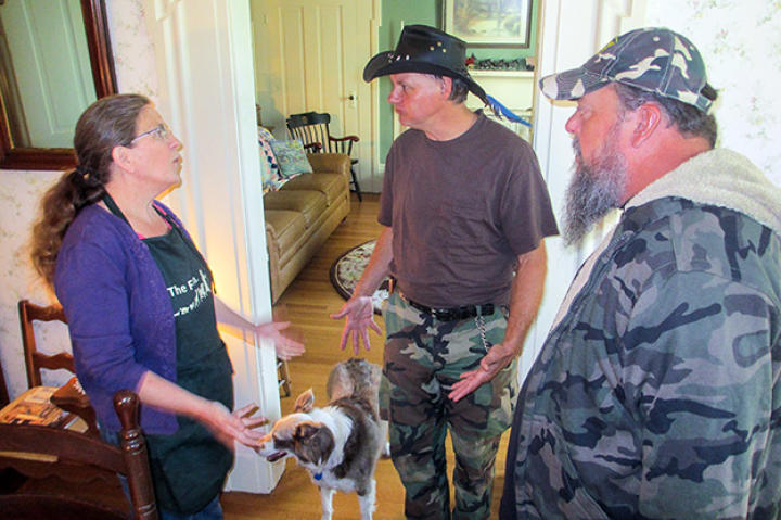 Turtleman and Neal talk to bed and breakfast owner Angie Martin about her animal nuisance problem.