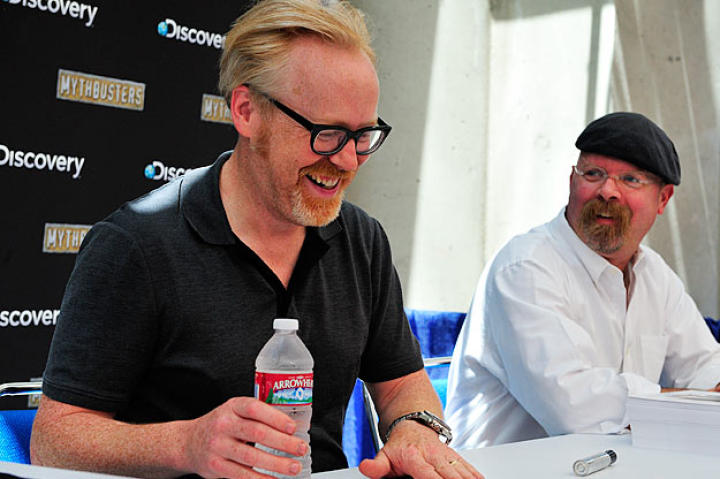 We can say with all honesty that Adam Savage and Jamie Hyneman find the autograph session at Comic Con truly delightful.