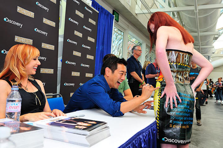 These two viewers so impressed Grant Imahara, he emailed their picture immediately to me (the caption writer).
