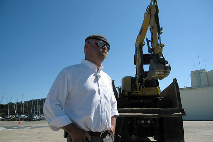 """Jamie Hyneman has said, """"For some reason, I've always enjoyed working with earth-moving equipment."""""""