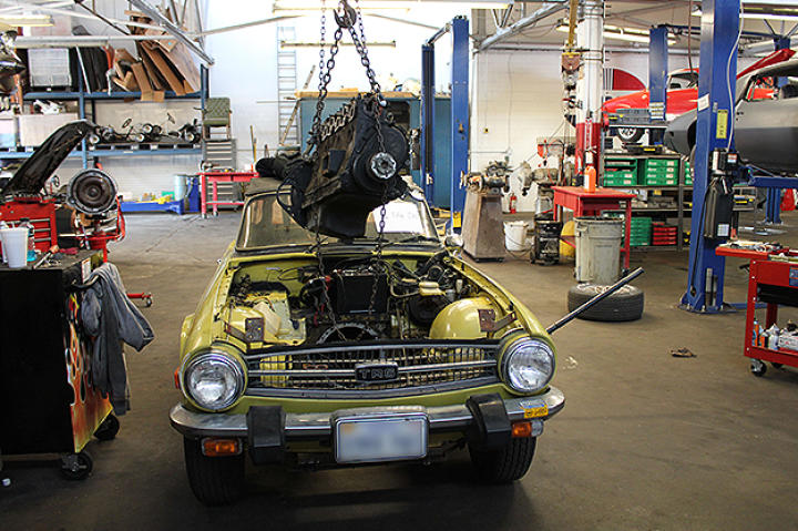 Removing the TR6 engine.