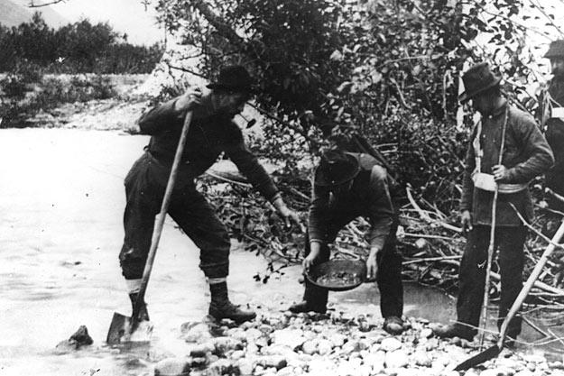 Most of the first prospectors had little to work with other than mining pans and shovels. After the easy finds quickly played out, the more industrious crews set up larger operations that involved the massive processing of river bed material. In the end, as many as half of those who made it to the Klondike gold fields never did any prospecting; these men either found other work or turned around and walked back.