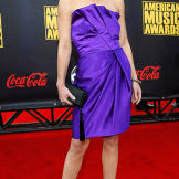 Christina Applegate arrives at the 2007 American Music Awards.