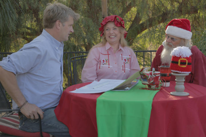 "Pete meets with ""Santa"" and ""Mrs. Claus"" to discuss a North Pole-themed treehouse."