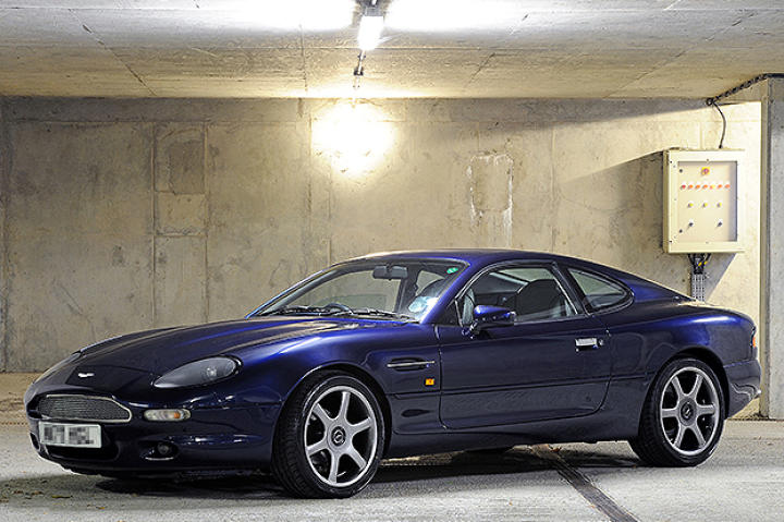 Aston Martin DB7.