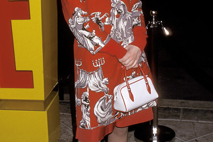 Zooey Deschanel attends a party for E! Online in 2001.