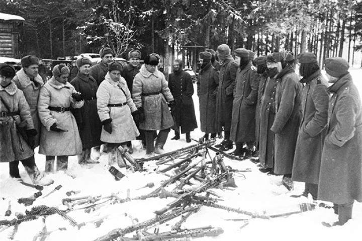 The remains of what was a heavily armed German unit surrenders on the Eastern Front, December 1941. Notice all the MG-34s.