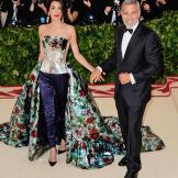 Heavenly Bodies: Fashion & The Catholic Imagination Costume Instit