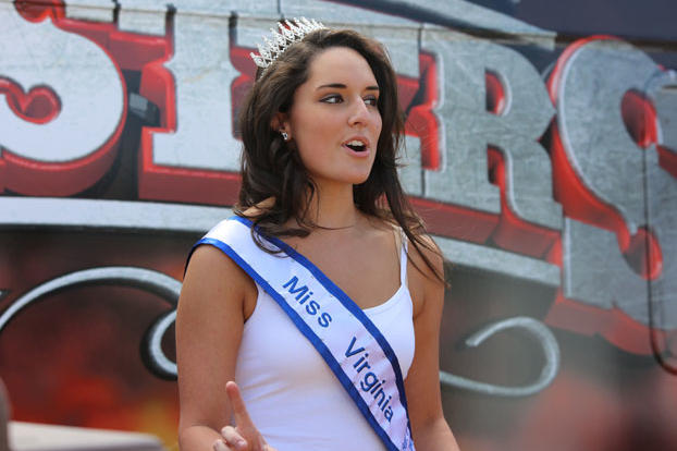 Miss Virginia announces the 5-minute warning.