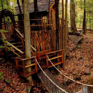 Ultimate Treehouses: This Treehouse Has its Own Moat