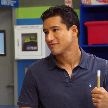Mario Lopez Gives Back With a Tank!