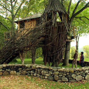 This Treehouse Literally Takes Pete's Breath Away