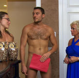 Hillary and Mike meet with real estate agent Jackie Youngblood who specializes in finding prime real estate for her clothing-optional clientele.