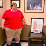 At Dr. Now's office, Paula steps on the scale and learns what her curr