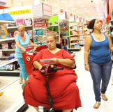 "When Tara weighed 606 pounds, she said, ""I hate myself the way I am."""