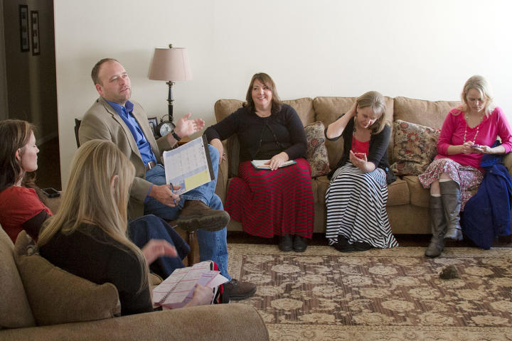 At a family meeting with his five wives, Brady brings up an important topic that's been on his mind: communication.