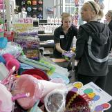 Kate shops for the sextuplet's 7th birthday party.