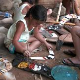 Hannah paints her very own boomerang! (Muru Mittigar in NSW, Australia