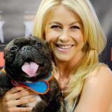 Julianne Hough   Julianne Hough poses with therapy dog Yazhi while she