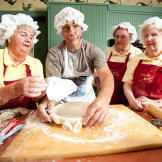 """The """"Pie Moms"""" welcome Mike Rowe and his 8 pounds of blueber"""