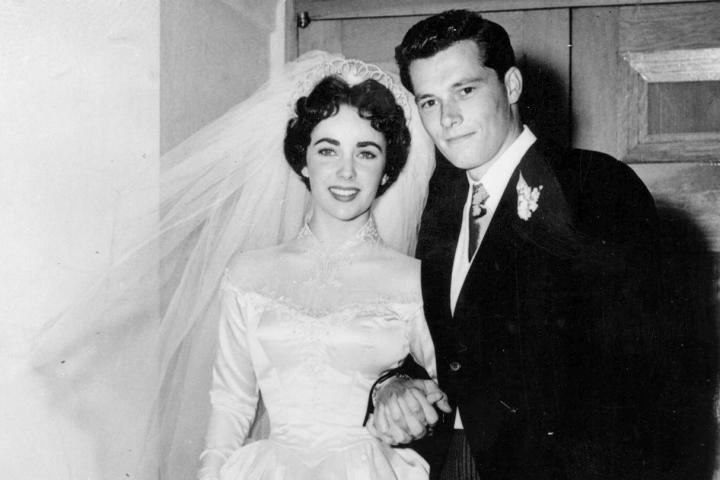 iconic-wedding-dress-elizabeth-taylor