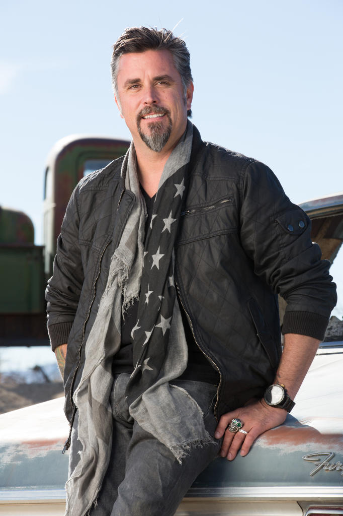 ... fast-n-loud-bio.jpg source: http://www.discovery.com/tv-shows/fast-n