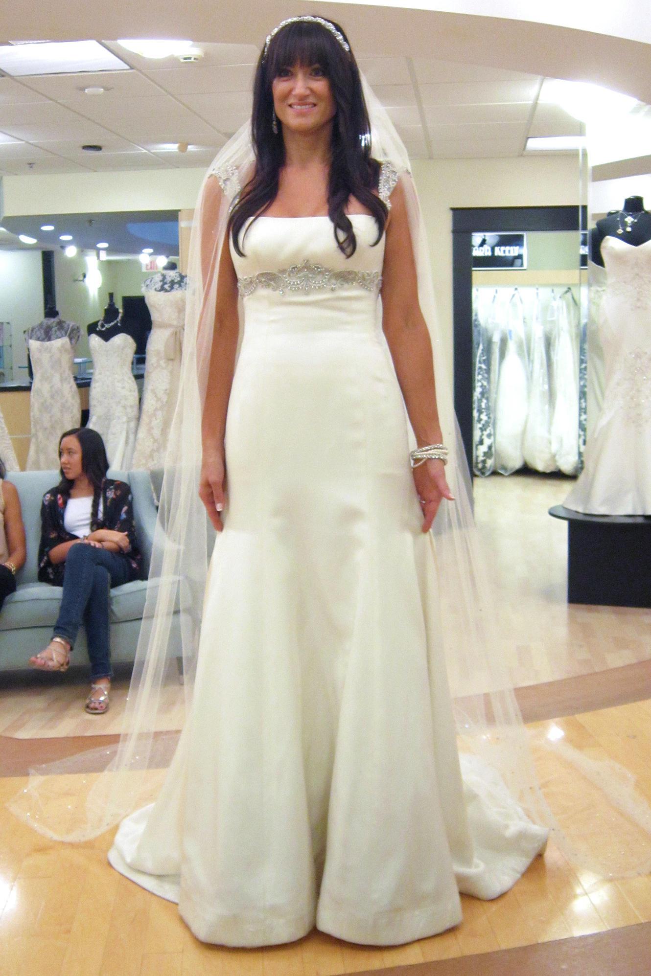 Lisa robertson in wedding dress - Say Yes To The Dress Atlanta