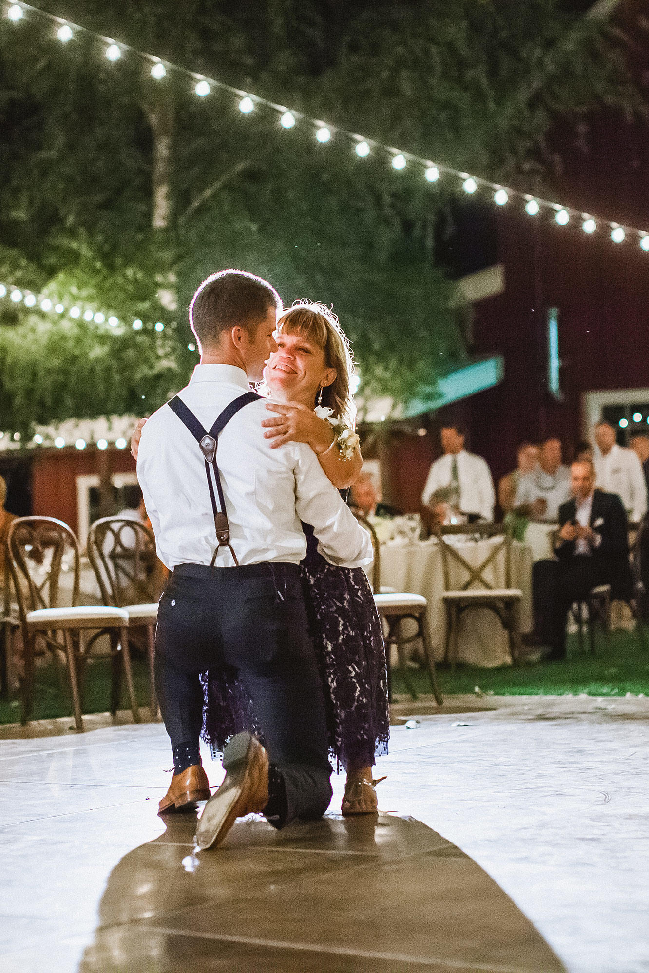 Jeremy roloff and audrey bottis wedding photos little people jeremy shares a dance with his mother junglespirit Gallery