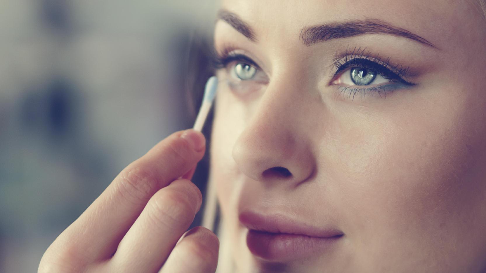 Be an eye makeup pro.