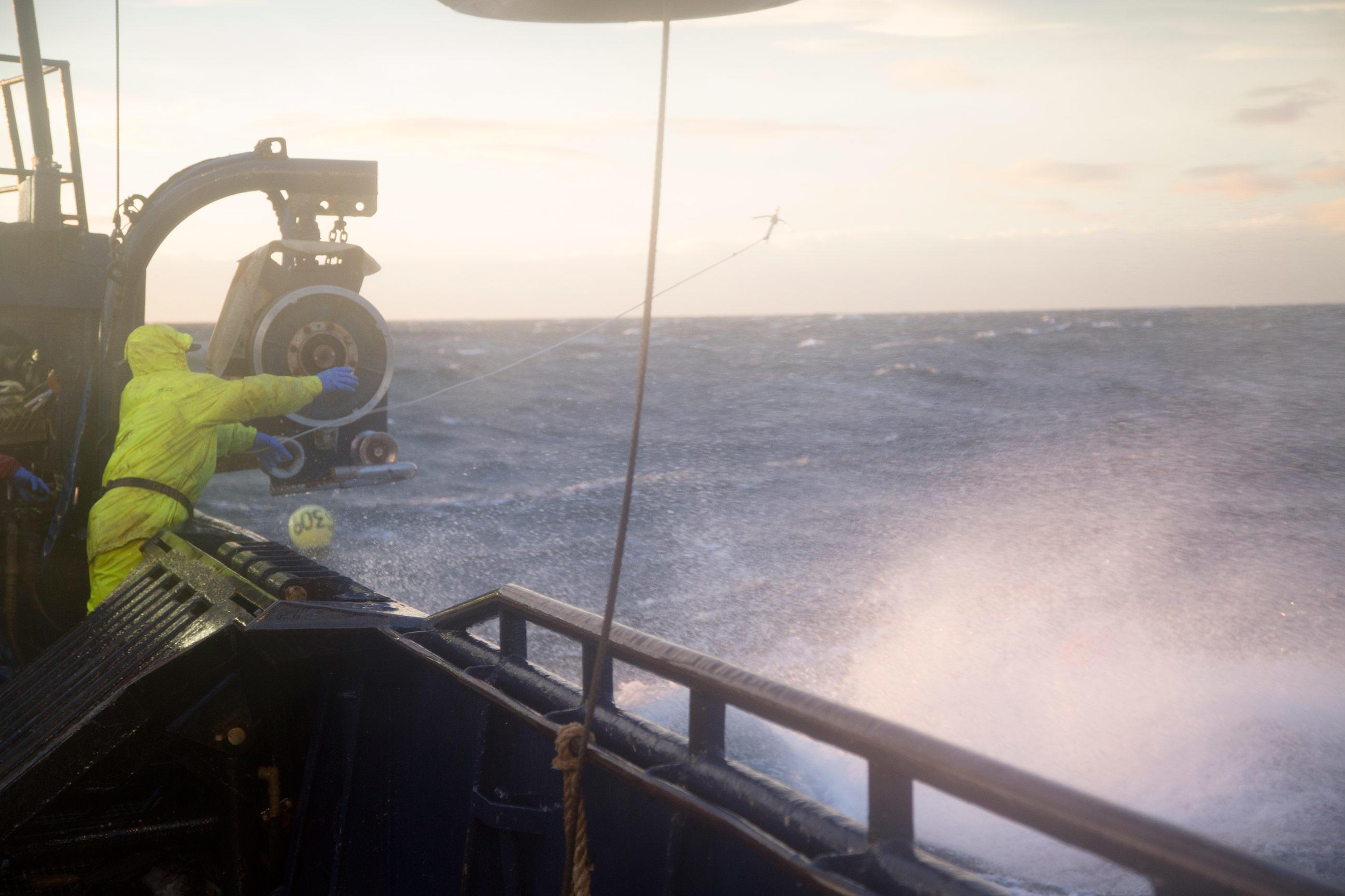 Cape Caution Photos (2014) | Deadliest Catch | Discovery