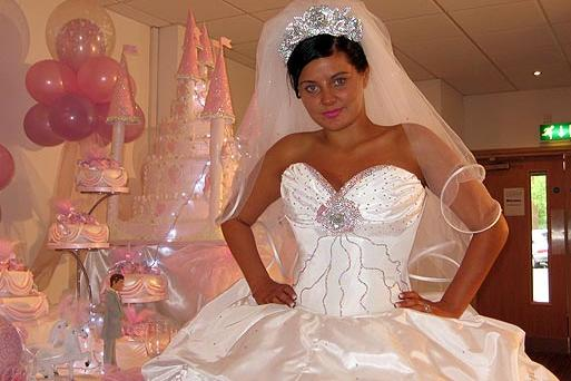 bride featured in my big fat gypsy wedding