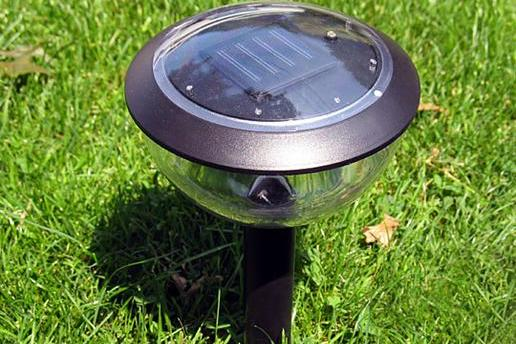 Solar powered landscape lighting pictures kate plus 8 tlc solar powered landscape lighting mozeypictures Image collections